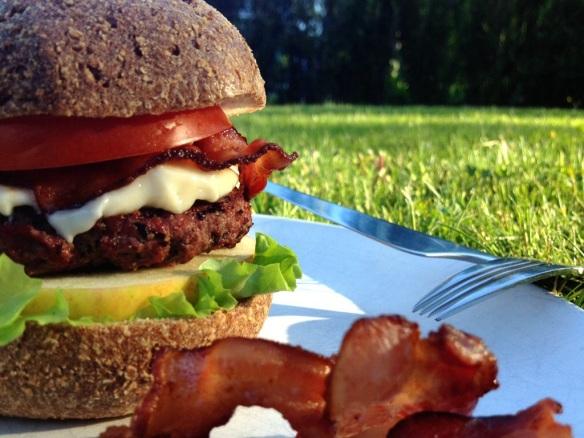 Burger_In_Grain-Free_Bun.jpg